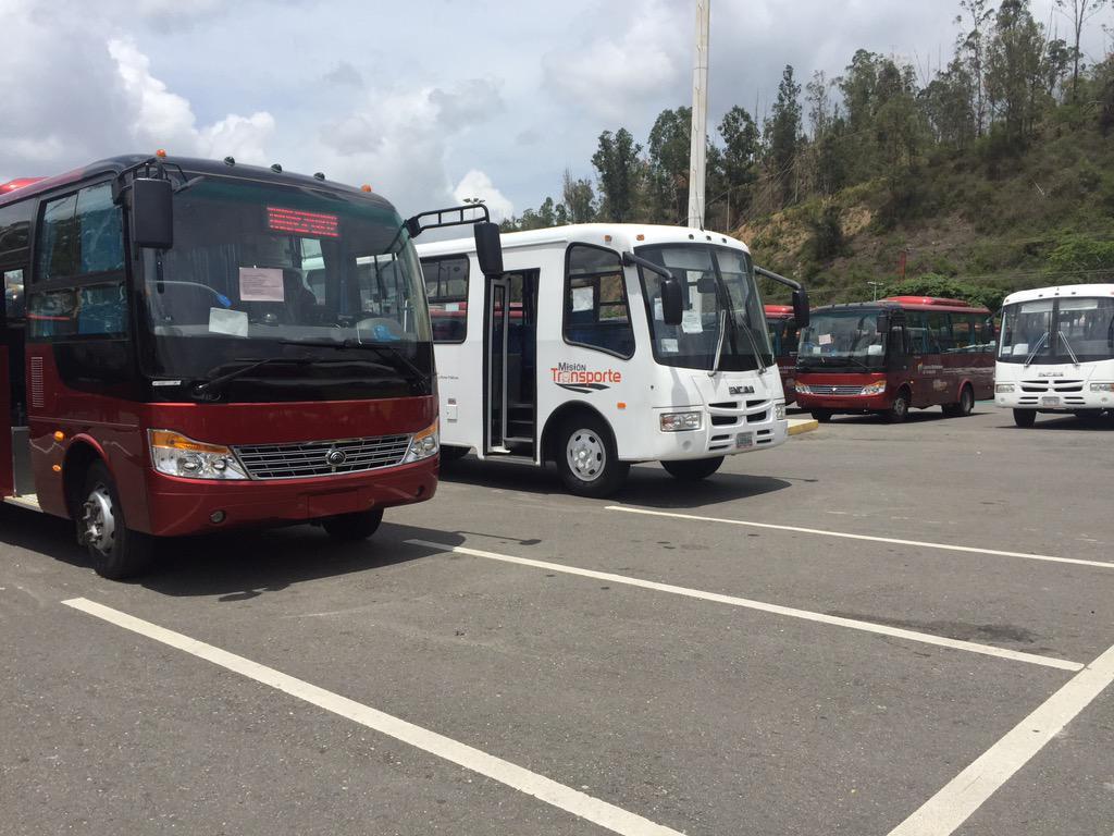 En el marco de la misión transporte hoy el gb entrega 350 autobuses ...
