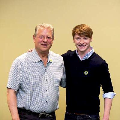 #TBT to the @ClimateReality Leadership Training in Iowa! 2 leaders, 1 mission: #ClimateAction! @CalumWorthy @AlGore http://t.co/WVlOXGz6ev