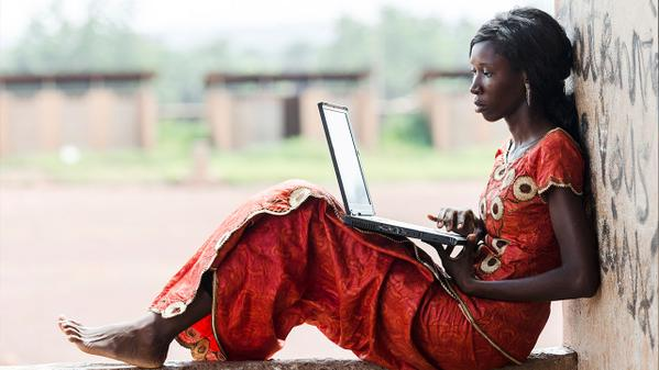 """""""@ONECampaign: Why do we need a #DATARevolution to end extreme poverty? Read this --&gt;  http:// ow.ly/PI4cq  &nbsp;   <br>http://pic.twitter.com/NOZAr4t588"""" #cdav"""