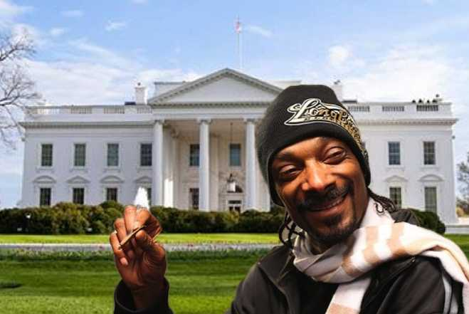 #tbt When @SnoopDogg smoked at the White House.. https://t.co/J6vbIoVgMy #ExecBranch http://t.co/UBYvq8Dd3N