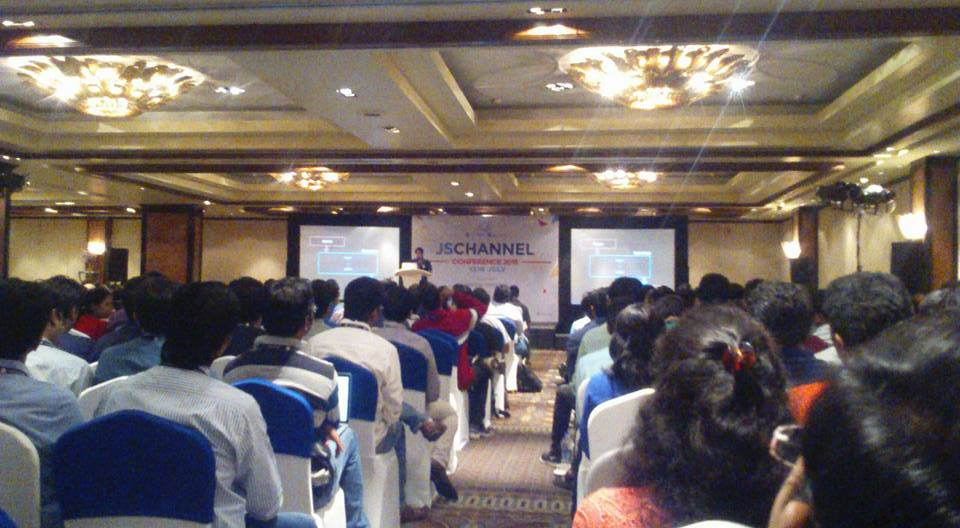 Charanjit Singh on Functional Reactive #Javascript at #JSChannel Conference 2015 Bangalore #JSChannelConf @js_channel http://t.co/piio2n2Zn4