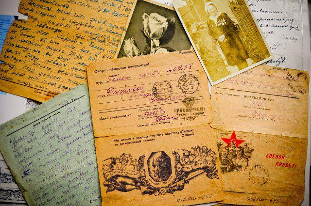 В Красноярске перезахоронены останки двух летчиков Великой Отечественной войны http://t.co/vlU9Ed5ran http://t.co/pjBxGFfeSh