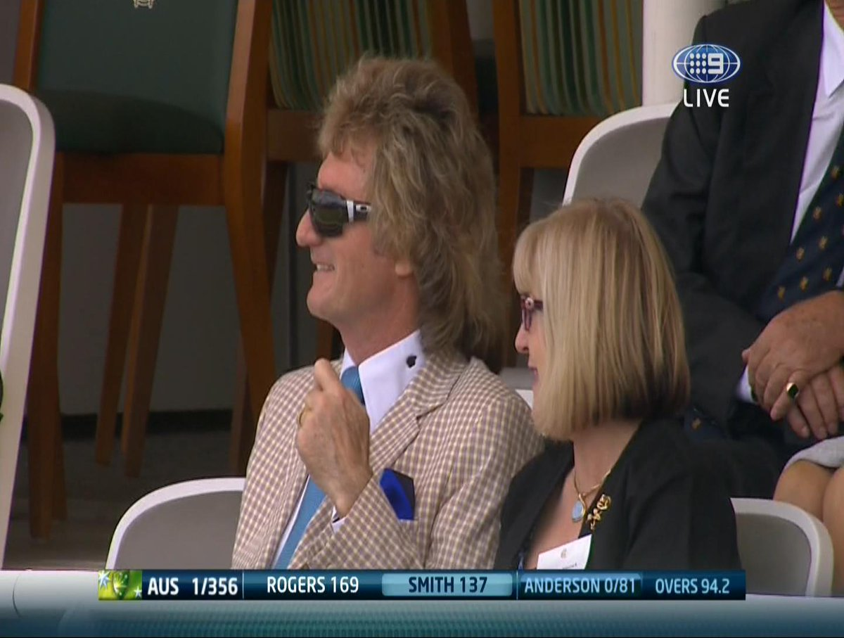 """@tabcomau: That hair... It's a thing of beauty! #Ashes http://t.co/mA9M4xP2Kg"" @wilburfos73"