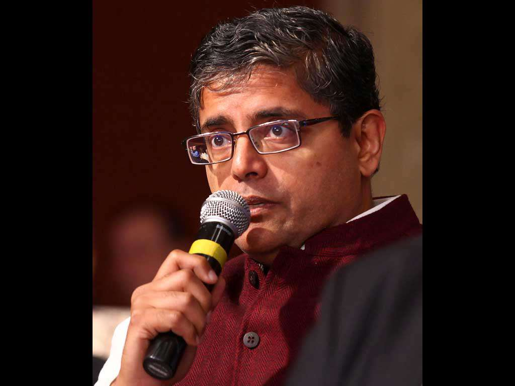 #BJD MP @PandaJay wants the end of subsidy in #Parliament canteens http://t.co/Bos6JrifEg