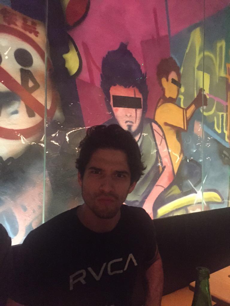 I found @tylergposey in London. ( and his cartoon look alike) @MTVteenwolf #TeenWolf #wolfsbane3 http://t.co/DmZoLpsZbA