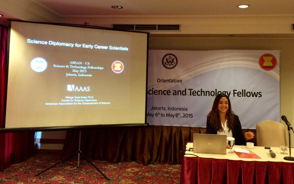 Talking #sciencediplomacy at  orientation of @USAIDAsia - @ASEAN S&T Policy Fellows in Jakarta #Iamasciencediplomat http://t.co/w2yHmR4IBo