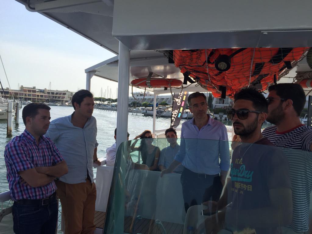 Port Camargue, à bord de la navette à énergie solaire, une présentation des  enjeux e696bea6aff