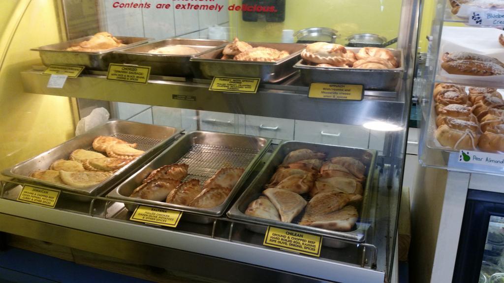 Oh yeah! #empanadas http://t.co/v9SRLdGSfN