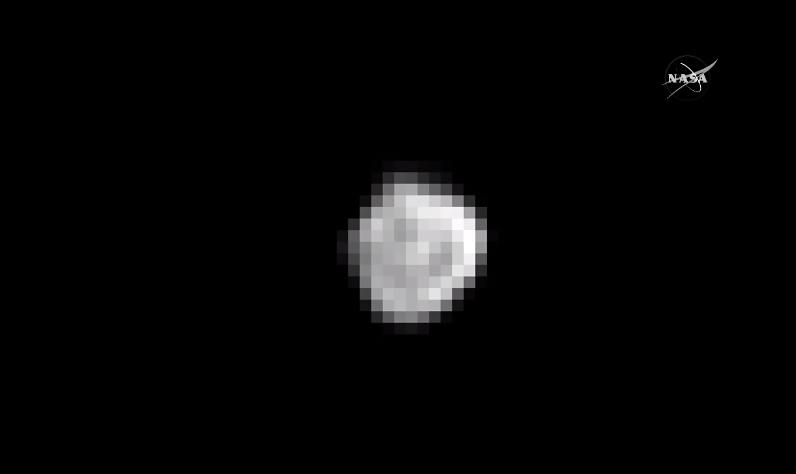 1st close view of Nix, plus a Carbon monoxide sig on #Pluto from @NASANewHorizons #PlutoFlyby @SPACEdotcom http://t.co/Zto6pogLRS