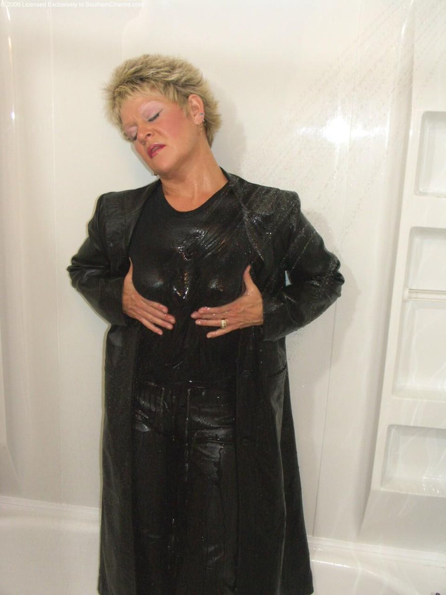 xxx Your mom loves anal miss angelique foxx platinum tiny tits