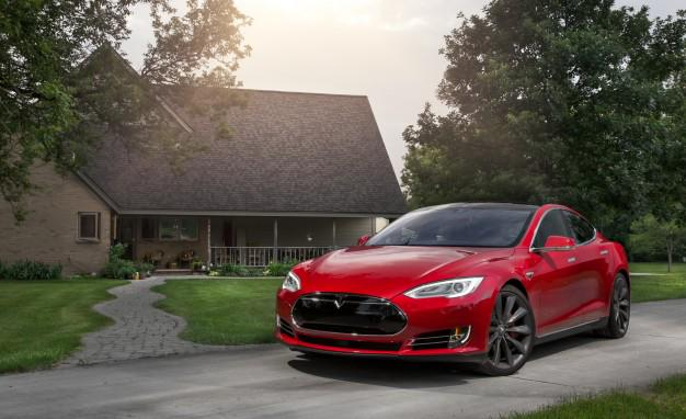 The reaction to Tesla's 'Ludicrous Mode' is insane