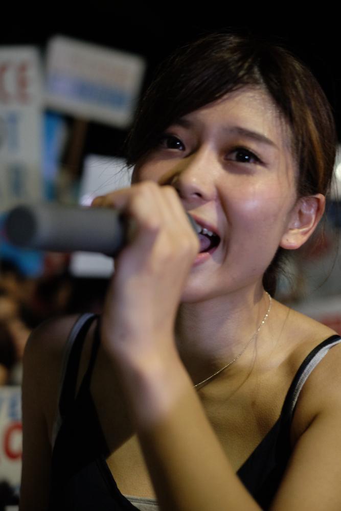 【画像】反安保派のSEALDsの女性メンバーがめちゃシコ ウヨにはこんな可愛い子いるの?