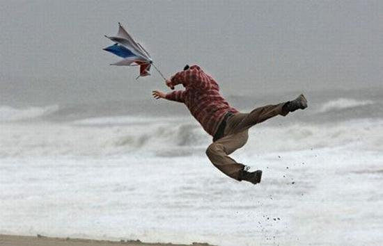Just seen one of the spectators blown out to sea @TheOpen http://t.co/6SrGvm6VQz