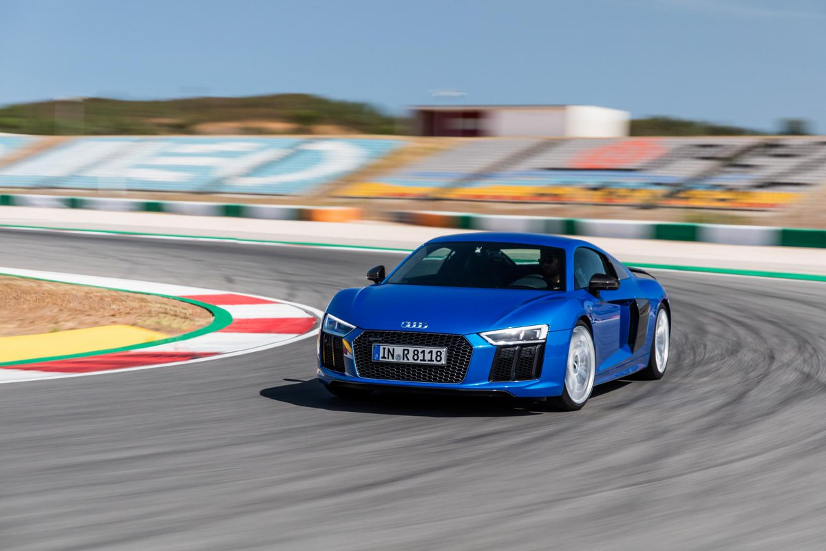 Is the new 2017 #Audi R8 the perfect supercar? http://t.co/v7DkSdnuSO http://t.co/5xjlRqW7br