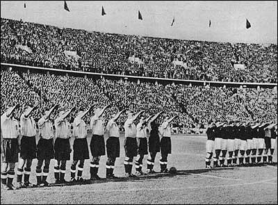 1938: England football team give Nazi salute before the match against their German hosts. http://t.co/dvpszskkjb