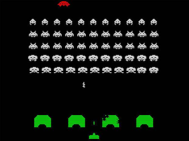 DQN(Deep Q-Network)。Googleの子会社であるDeepMindが開発したテレビゲームなどを自律的に学習するテクノロジー。スペースインベーダーなるゲームを画像情報だけを頼りにプレーする。徐々にハイスコアを出す。