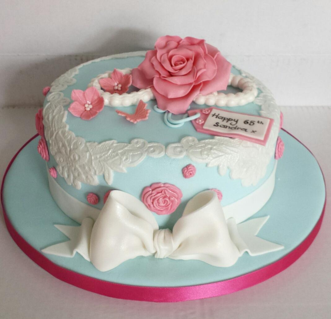 Funky Cakes On Twitter The Latest Design A Vintage Style Rose