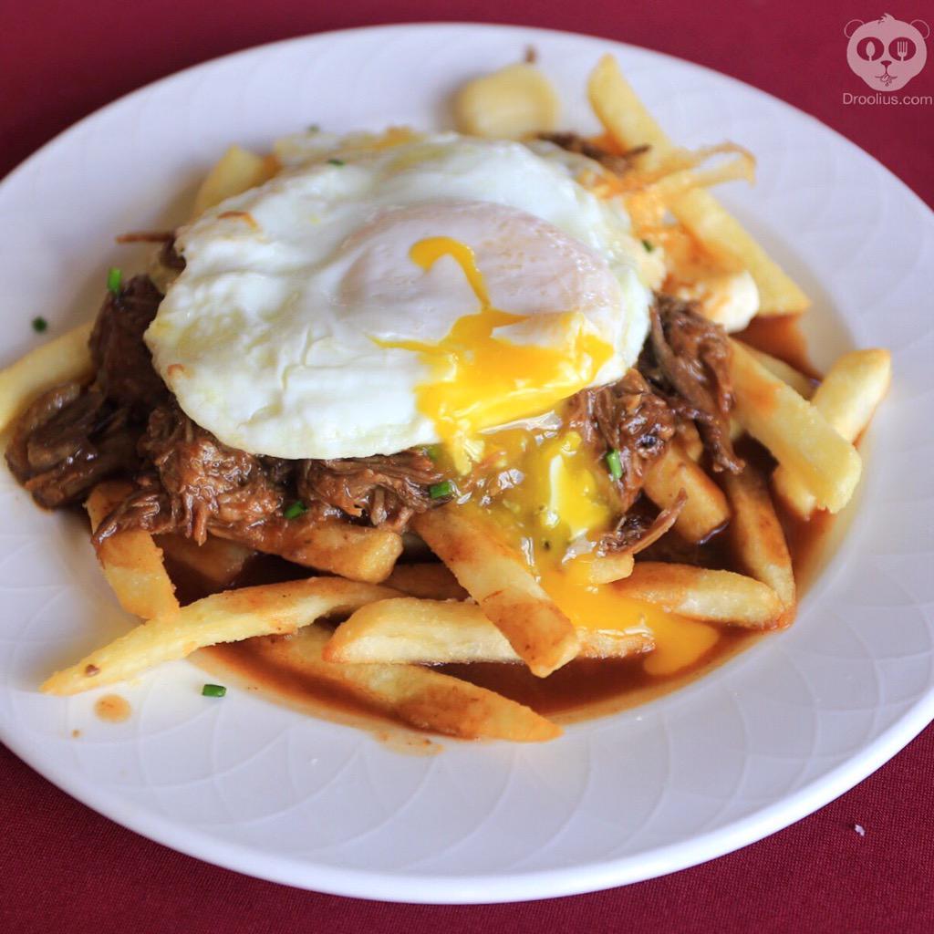Lunch @FoodandWineConf: Cheese Poutine Bar! #EggDROOL @IdahoPotato @WisconsinCheese #FWCon https://t.co/6PJGKIfqD0 http://t.co/k1I0lc5pcS