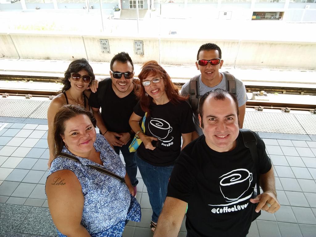 #CoffeeLoversClub en ruta hacia Bayamón. @CoffeeLoversPR @PRCoffeeMap @somoscaffeteros http://t.co/V3lfKTz7Qj