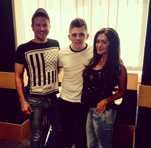 RT @CaseyBatchelor: Great Sam and Casey show today on @vibe1076 Myself and @samdowler had had the lovely @nickymcdonald1 in for a chat 😊 ht…