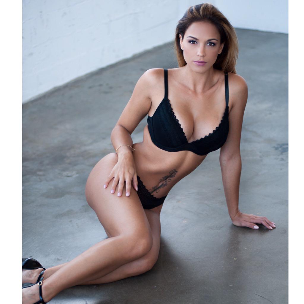 Photos Sophie Dee nude (85 photo), Topless, Cleavage, Boobs, cleavage 2006