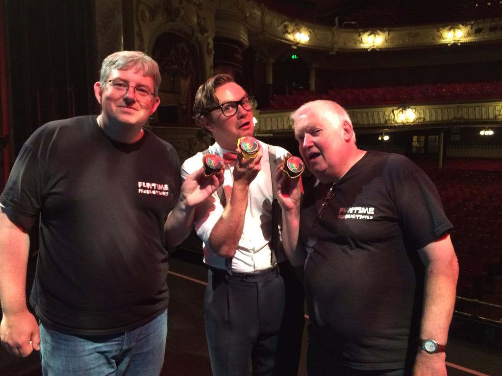Basil brush cakes from @HomeCoffee36AR with @mattymorley @FuntimeProd @realbasilbrush thank you Mary's Fairies. http://t.co/lQDNu58SVP