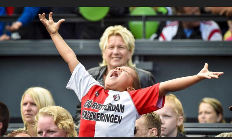 Look at this great picture from @proshots photographers... This is Feyenoord! #Feyenoord #proshots http://t.co/zQD2c0foBe