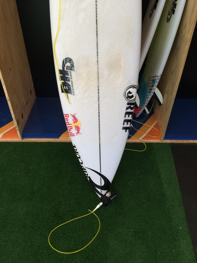 That was way too close... @Mick_Fanning's severed leash. @wsl http://t.co/W8jyxaGZYc