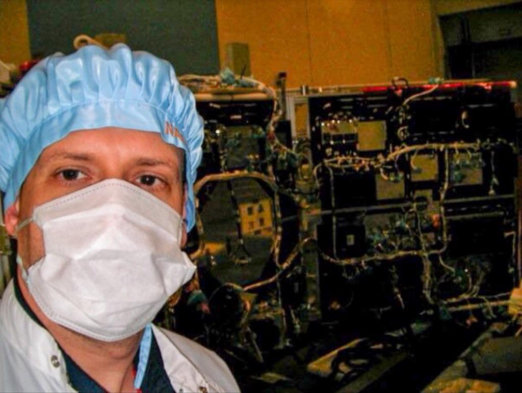 Inspecting the Japanese Akatsuki Venus orbiter before launch. Should enter orbit this December! #IamaScienceDiplomat http://t.co/XdeoErLztL