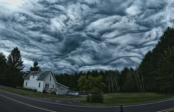 Undulatus Asperatus Clouds, if successful it will be the first cloud formation added since cirrus intortus in 1951 - FOTO by HASMUKH GAJJAR @gajjar_ya  24 lug