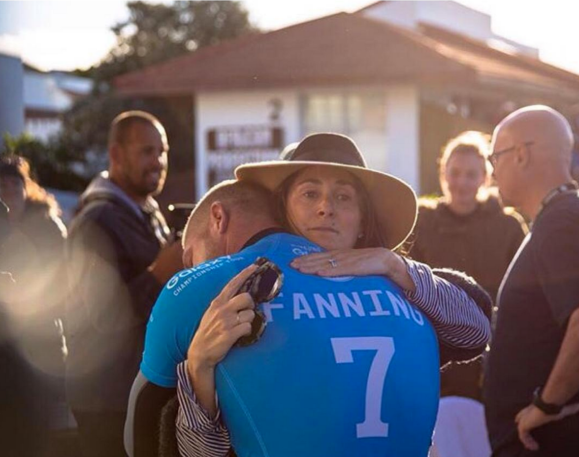 Emotional photo of Mick Fanning hugging mom after escaping a shark attack during the final of #JBayOpen @WSL event http://t.co/10FGXCRsiE