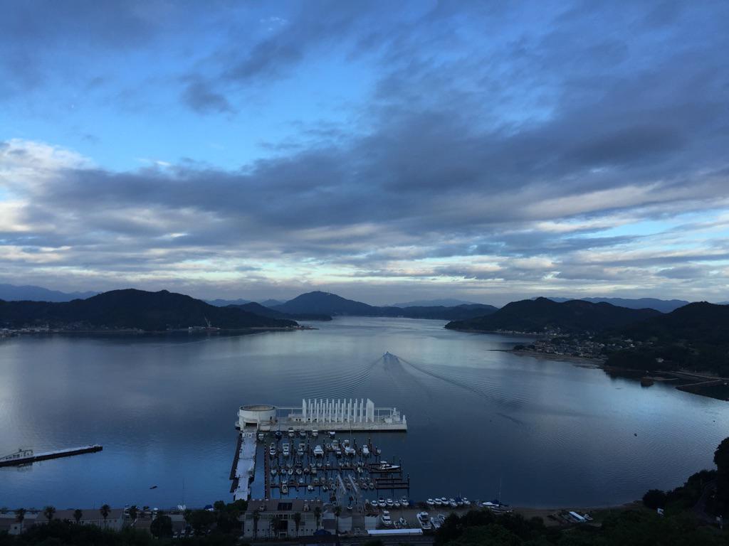 朝から本当すごい景色ー。おはようございます🇯🇵 pic.twitter.com/sFokmOZhiu
