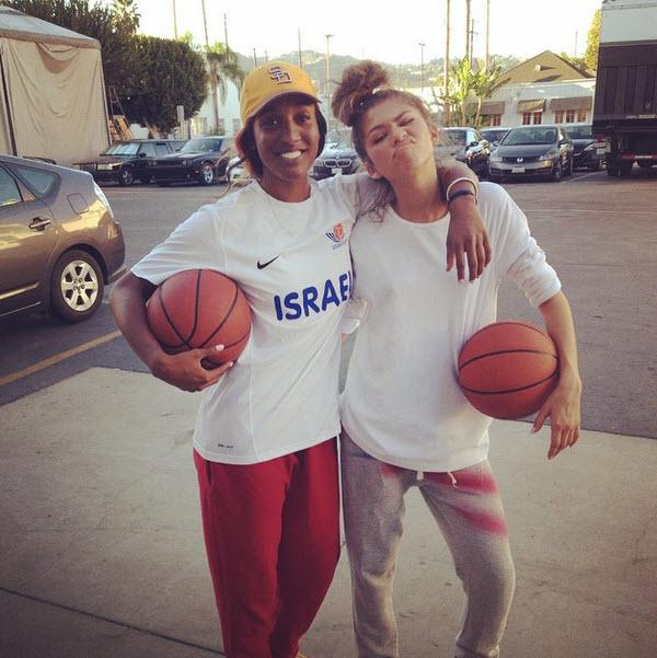 Throwback to my day playing Bball with @Zendaya #MissYouGirl #WNBA #BasketballTraining #KCUndercover #Ballers http://t.co/iOYivzSBRw