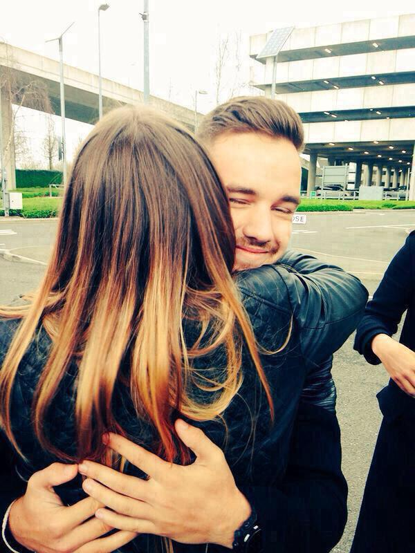 Liam Payne Hugging Fans Jasmine on Twitter: &q...