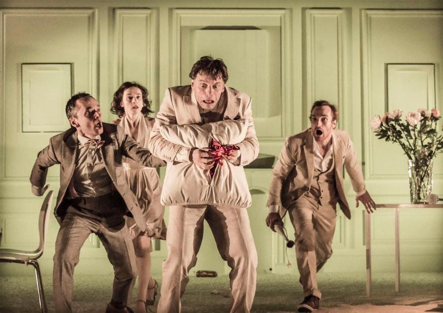 Ubu Roi will be live-streamed, 7pm Sunday from New York's @LincolnCenter, on @TeleTheatre. http://t.co/9NTgRhXV4a http://t.co/wNcl1JKiBA