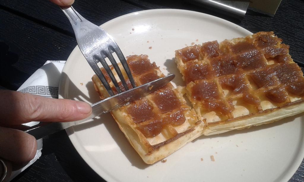 Sharing a chestnut waffle #units #mathphoto15 http://t.co/J5QJBIzj4l