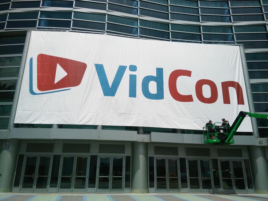 #VIDCON2015 #vidcon getting real @vidcon http://t.co/s7kzgBLRcK