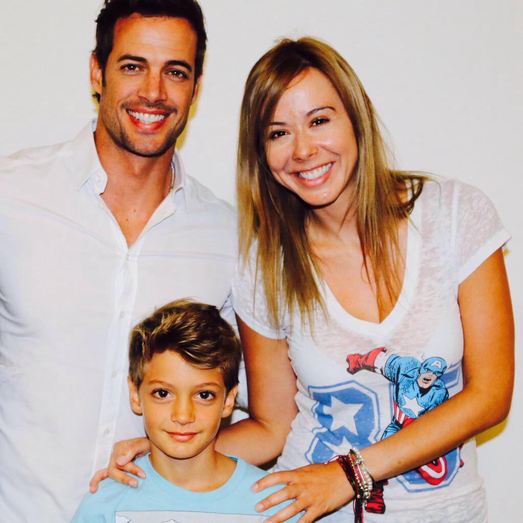 #Foto William Levy @willylevy29 & Christopher @Tophy19 en las oficinas de The Discovery Channel, Miami #CubanChrome http://t.co/2OhpE1SnfX