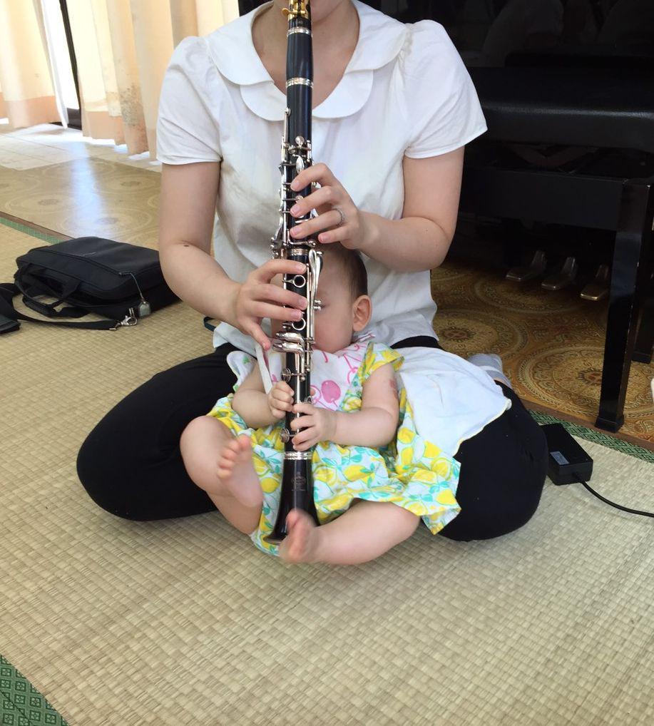 小さなクラリネット奏者を激写しました♪ http://t.co/fPbTc2wXJF