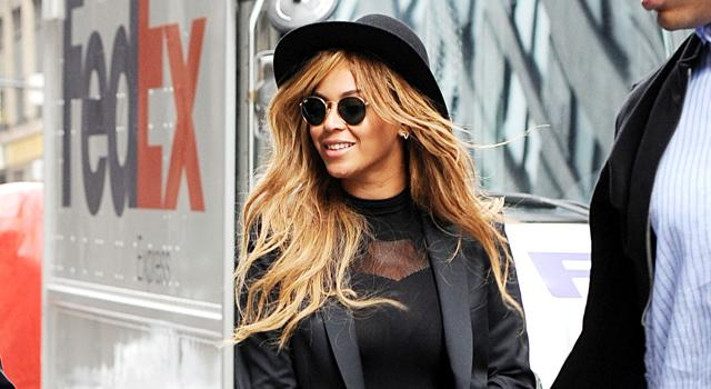 RT @Lookmagazine: Ooh. @Beyonce's got new hair! Did she ask for the @MillsMackintosh...? http://t.co/AKyYzLETAD http://t.co/2oIzdZYNKC