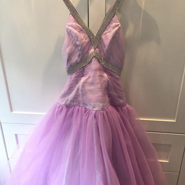 133781e4 #prom #promdress #dress #agape #ball #ballkjole #juleball #skoleball #size  #small …pic.twitter.com/g1jXx22kWL