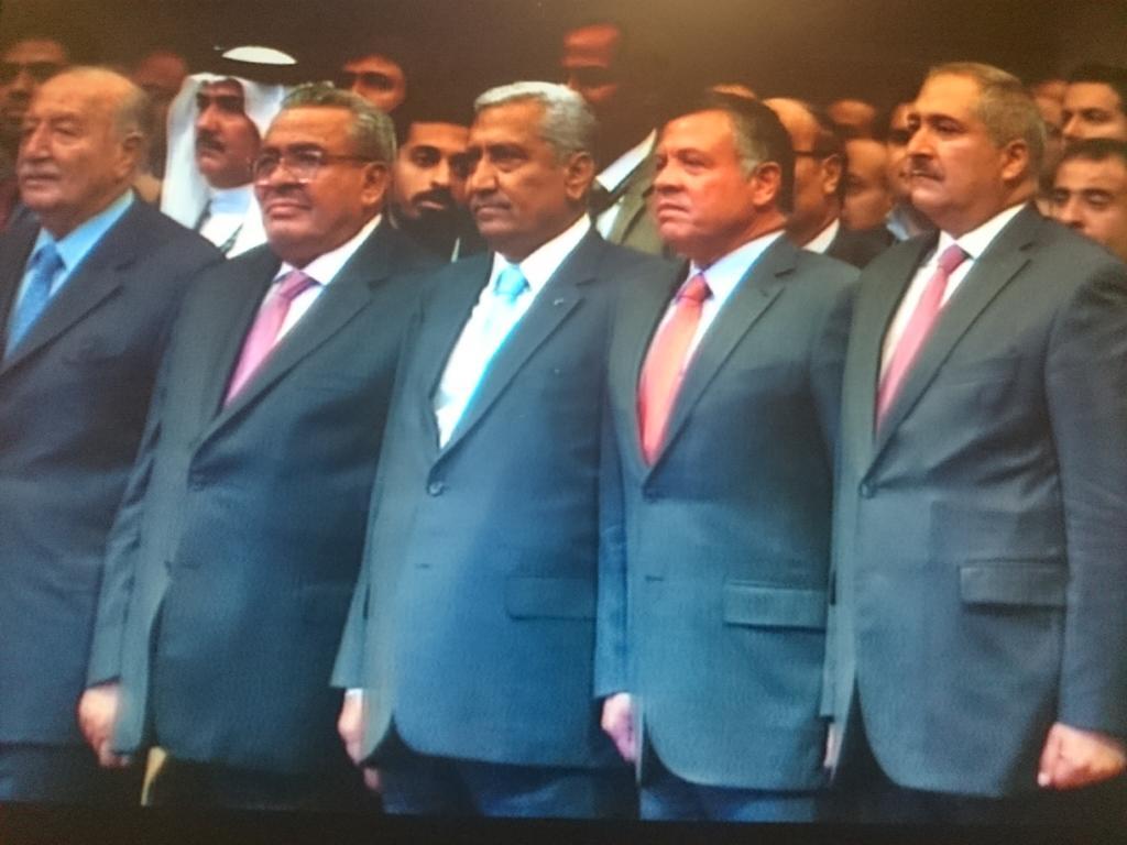 وصول حضرة صاحب الجلالة الملك عبدالله الثاني بن الحسين المعظم مركز الملك الحسين بن طلال للمؤتمرات.   #الاردن_يجمعنا http://t.co/xSUt56oOAZ
