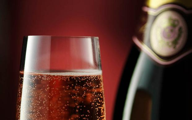 Move over Prosecco. Sparkling Red Wine, it's time to shine. http://t.co/M5wWS7Jas2 @Ocado @Telegraph http://t.co/jVI0MEono1