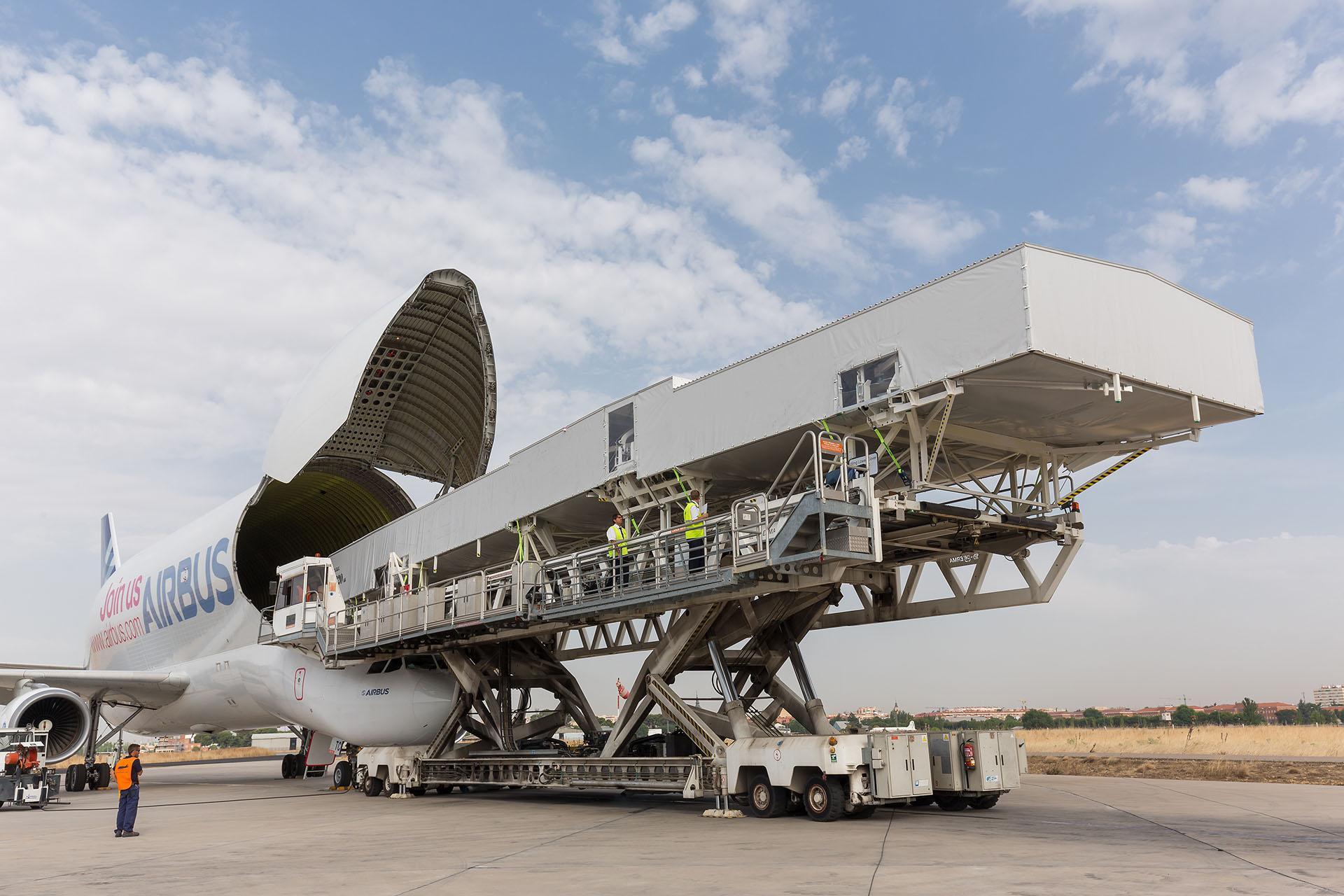 A350-1000 CK_sBrgXAAAwilY