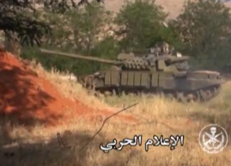 الدبابه T-55 السوريه ودورها في الحرب القائمه هناك  CKaLqVVUEAEa-Oe