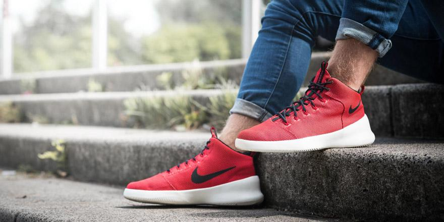 """vans vraiment pas cher - Foot Locker EU on Twitter: """"Coming soon. The exclusive Red Nike ..."""