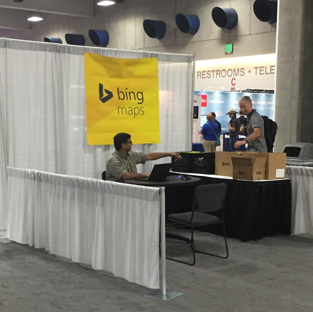 Bing Maps went all out this year! #esriuc http://t.co/0qnVfRWXOp