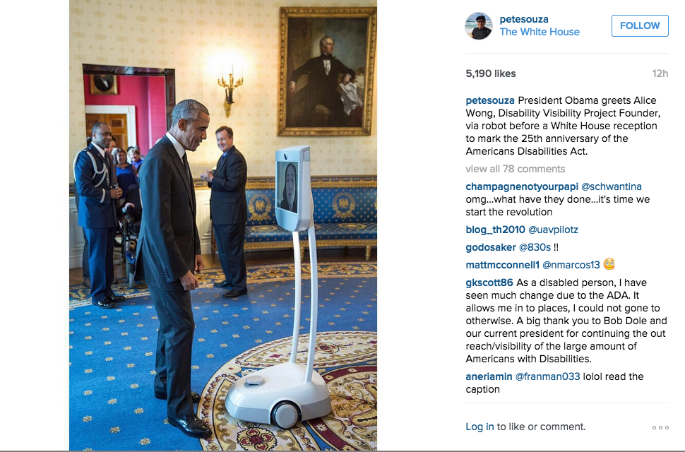 Yesterday, @BarackObama and @SFdirewolf marked the historic 1st meeting of president and robot http://t.co/EbSUg3W1SL http://t.co/JxfkEEUzpJ