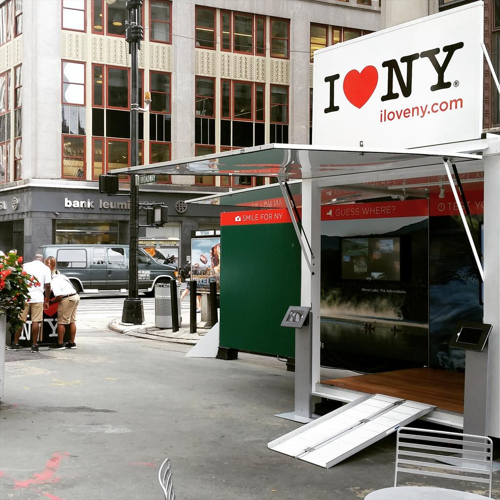Find out all the reasons to love your state! @I_LOVE_NY is at Broadway/38th today with guides, tips, trivia & buttons http://t.co/NwRlPVcutq