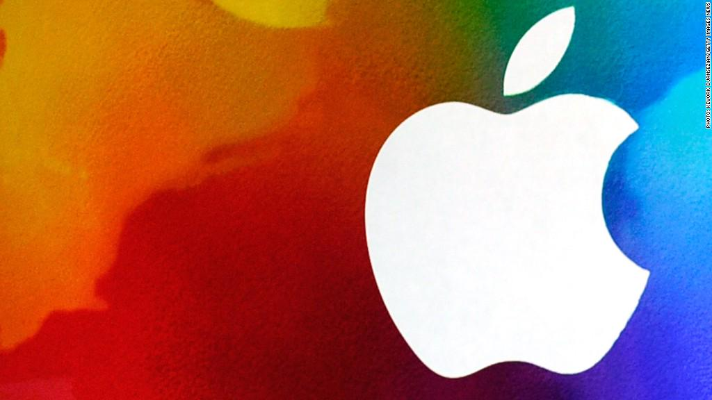 Apple App store and iTunes are down :( @lisahopeking reports: